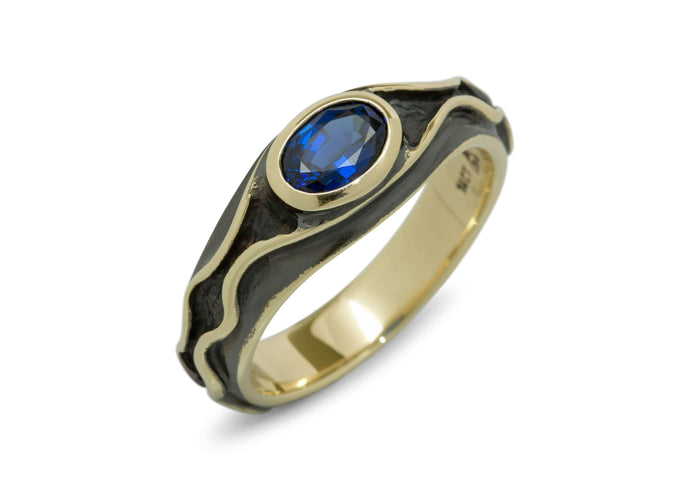 The Ring of Hugo, Yellow Gold