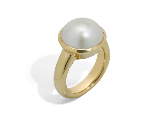 Iridescent Mabe Pearl Ring, Yellow Gold