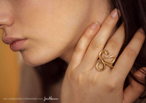 Snakes ring in 18K yellow gold and diamonds