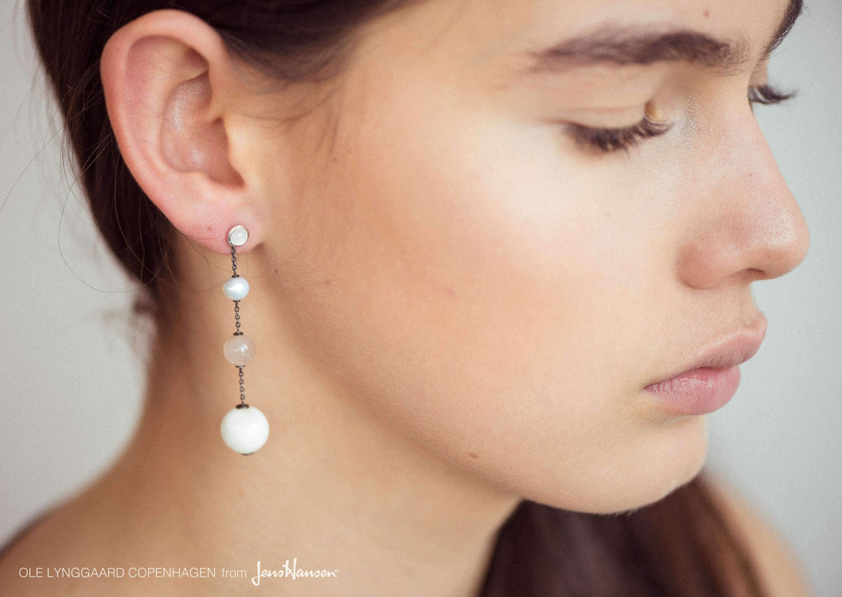 Circus earrings in Sterling silver with White Moonstone