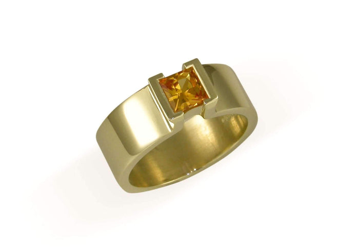 14ct Gold Ring with Stunning Golden Sapphire