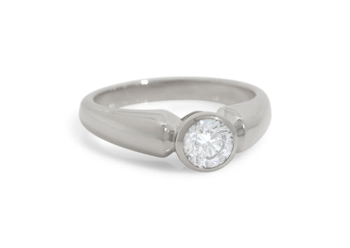 Timeless Diamond Ring, White Gold & Platinum