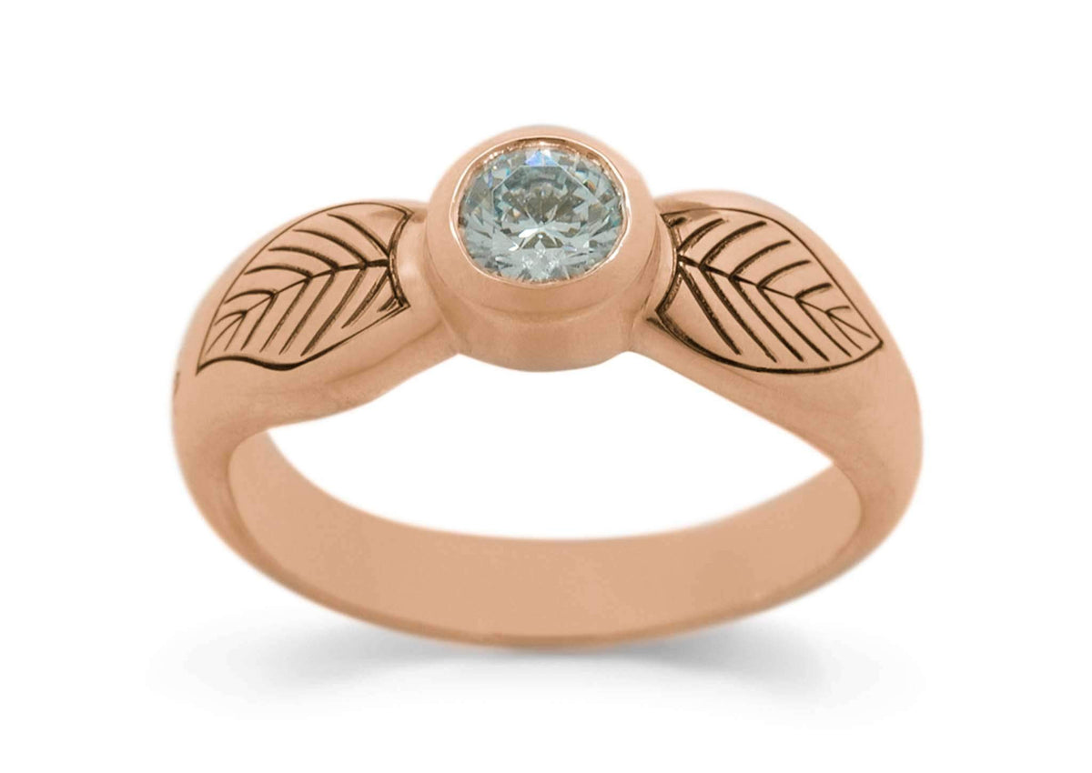 Engraved Elven Ring, Red Gold