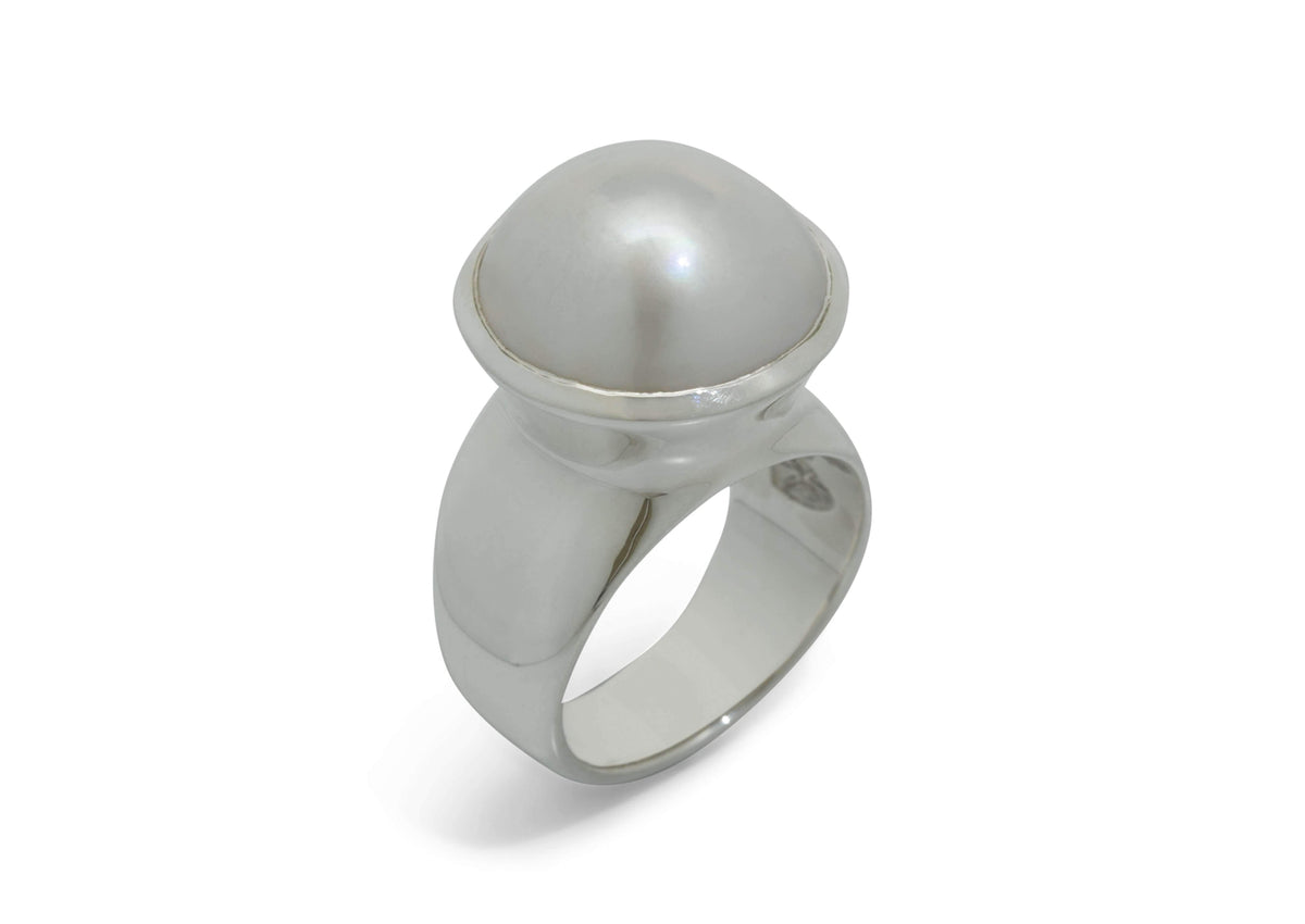 Luminescent Mabe Pearl Ring, White Gold & Platinum