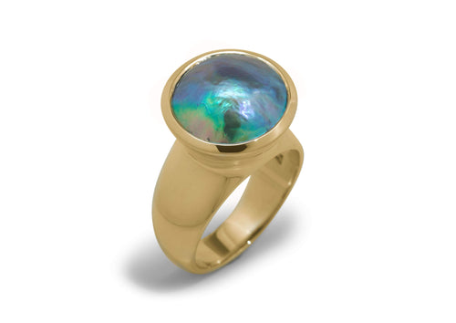 Luminescent Pāua Pearl Ring, Yellow Gold