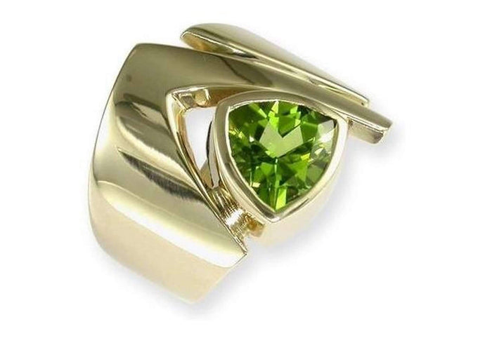14ct Gold & Trilliant cut Peridot Ring   - Jens Hansen