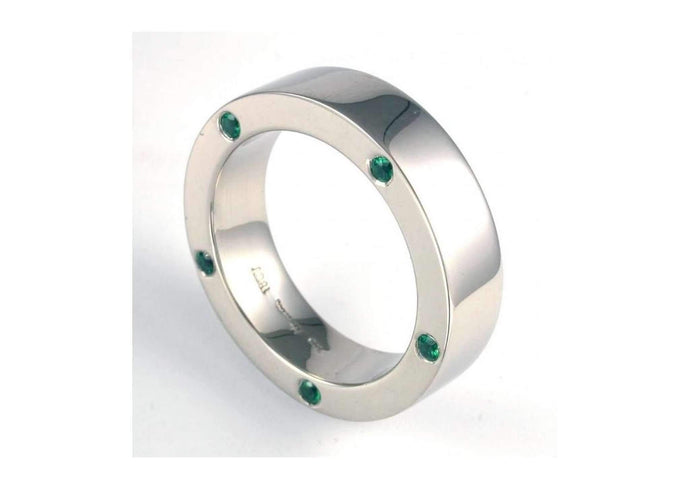 18ct White gold & Emerald band   - Jens Hansen