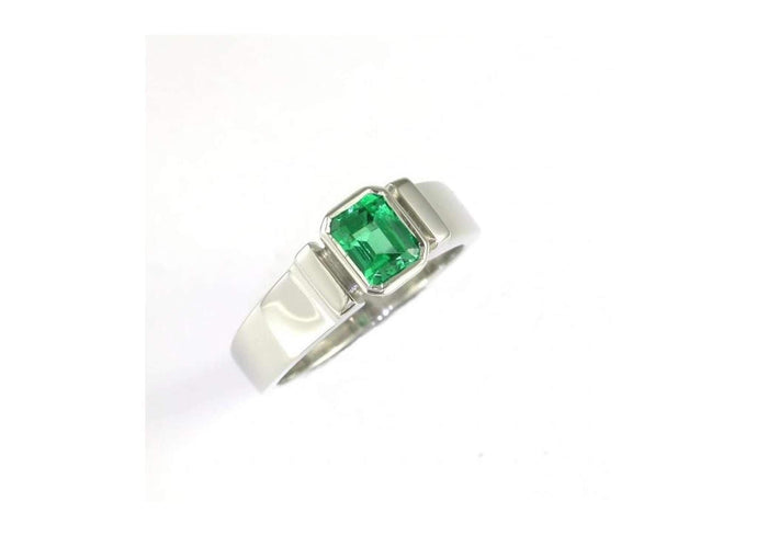18ct White Gold Columbian Emerald Ring.   - Jens Hansen