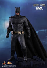 Justice League MMS455 Batman 1/6 Hot Toys Figure