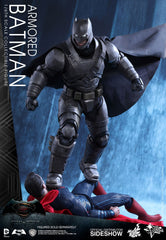 Hot Toys  Batman v Superman: DOJ - 1/6th  Armored Batman