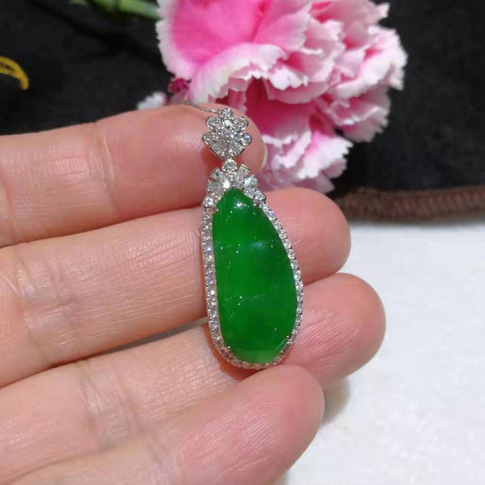High-End Imperial Jadeite Jade Pea Pendant Necklace #GF13