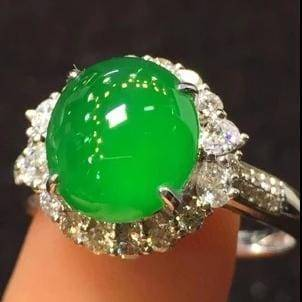 18k Gold Genuine Jadeite Ring & VS Diamonds (High quality)