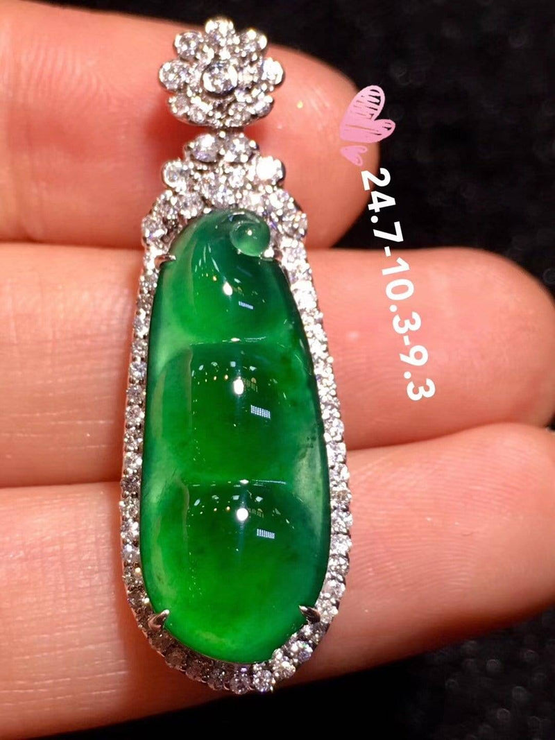 High-End Imperial Jadeite Jade Small Pea  ( FuDou ) Pendant Necklace #L82