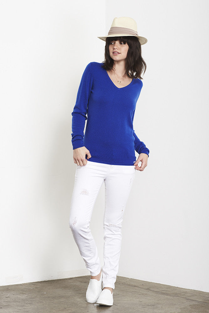 Ultimate V-Neck Sweater | Klein Blue - Banjo & Matilda | International  - 2