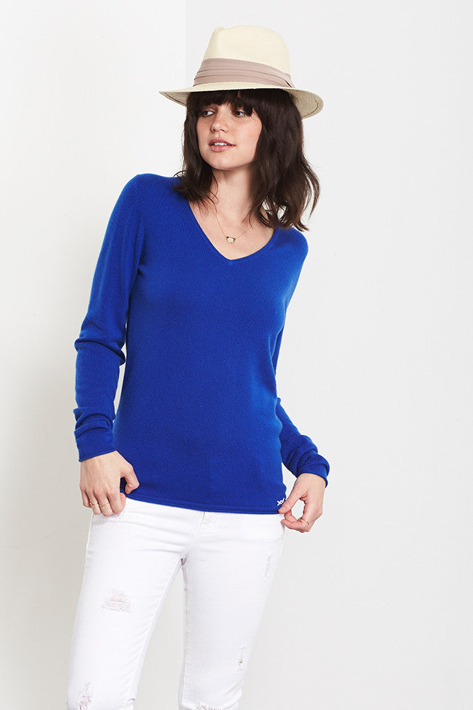 Ultimate V-Neck Sweater | Klein Blue - Banjo & Matilda | International  - 1