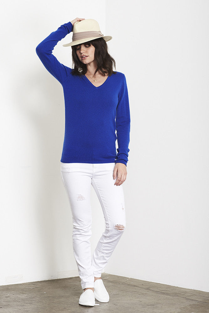 Ultimate V-Neck Sweater | Klein Blue - Banjo & Matilda | International  - 5