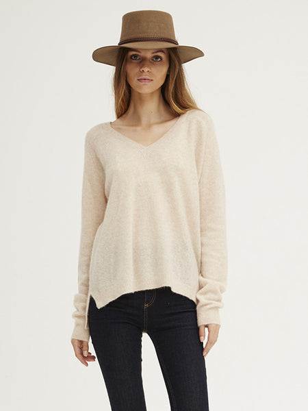 Caresse Raglan Vee | Almond
