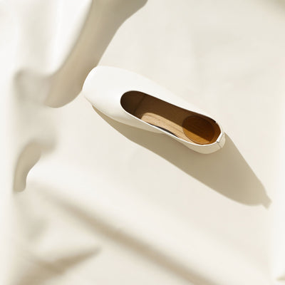 New Skin Genuine Leather Flats in White (4165295538311)