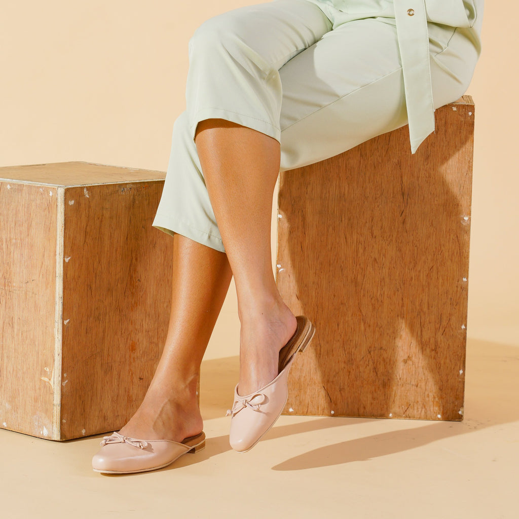 Lean Genuine Leather Pointed Toe Mules in Blush Lifestyle