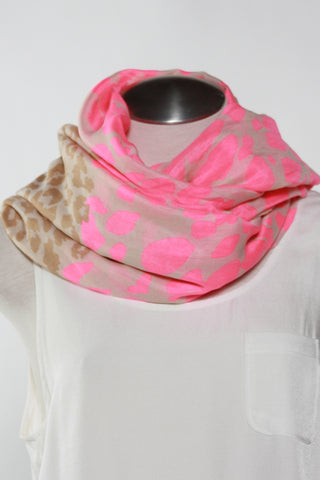 Spotted Animal Print Scarf-Pink