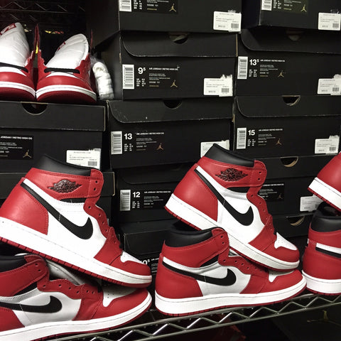 34b4447c53e510 RESTOCK! Air Jordan 1 High OG  Chicago  – KickzStore