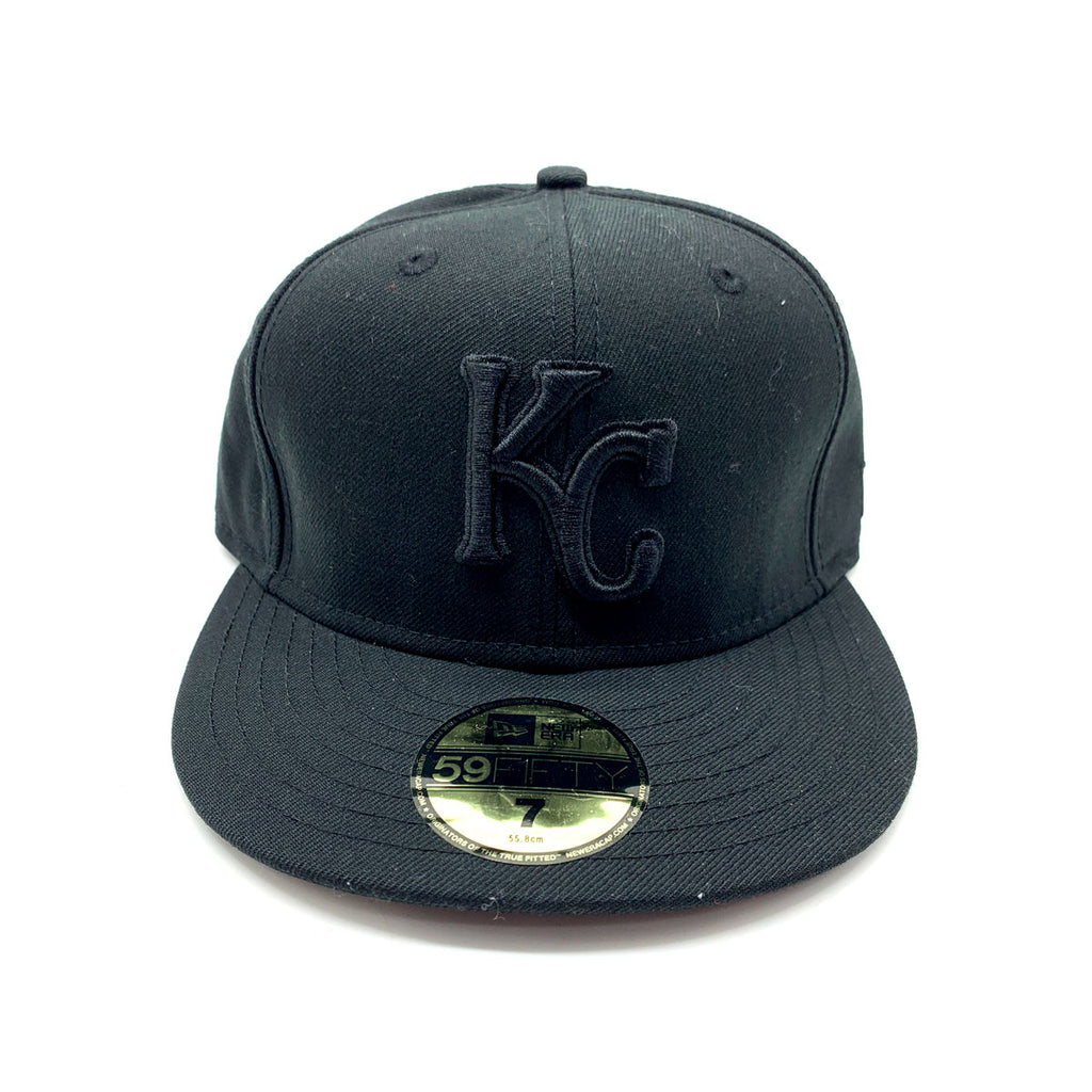 New Era 59FIFTY Kansas City Royals Blackout Basic Fitted Hat - KickzStore