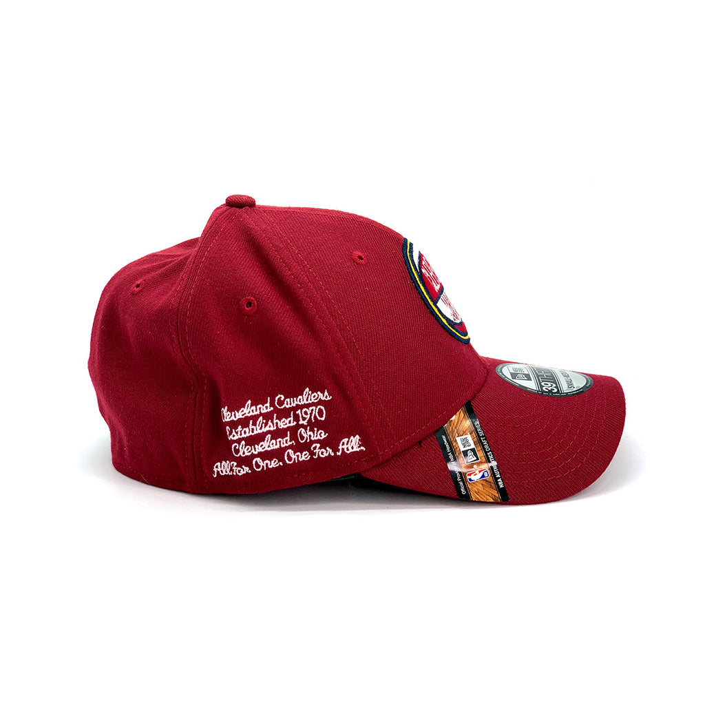 New Era 39THIRTY Cleveland Cavaliers Draft Fitted Cap Burgundy Yellow