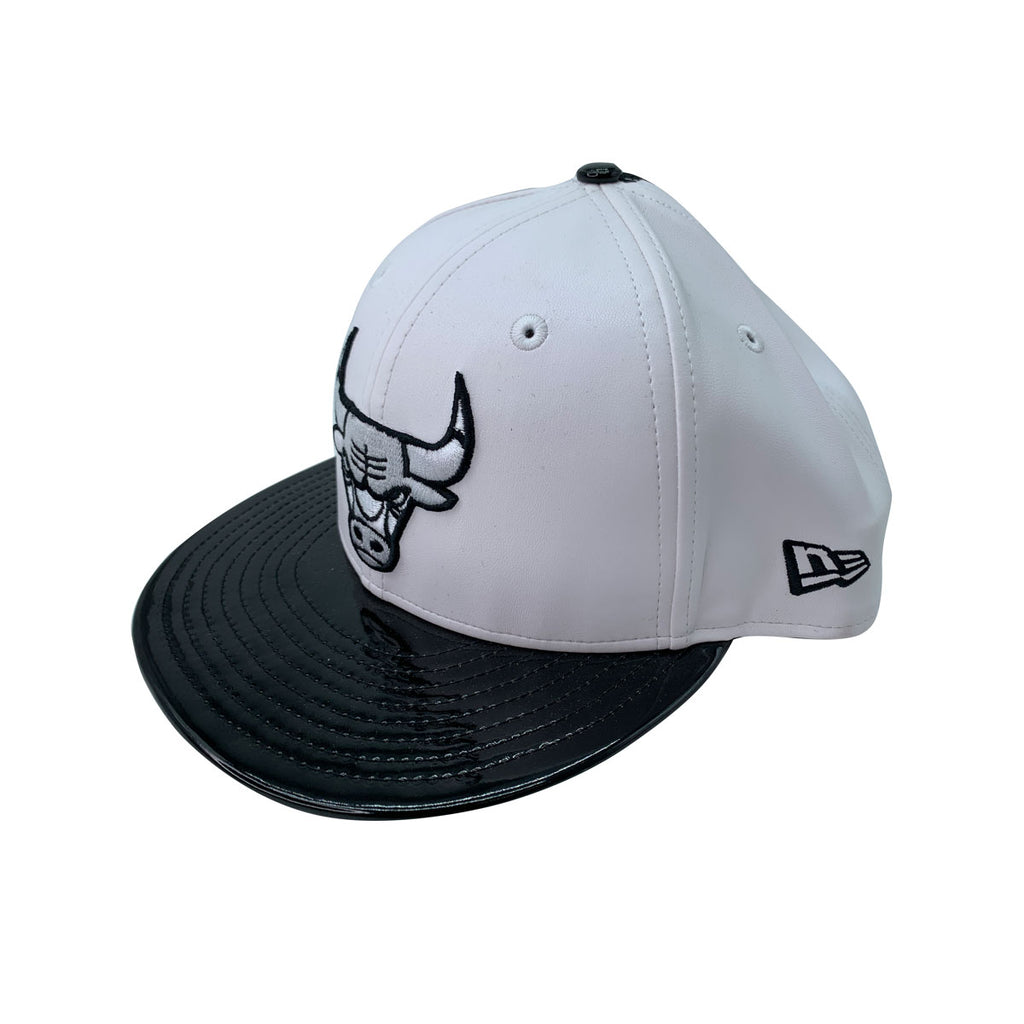 New Era 9FIFTY NBA Chicago Bulls White PU Leather Concord Black Snapback Hat