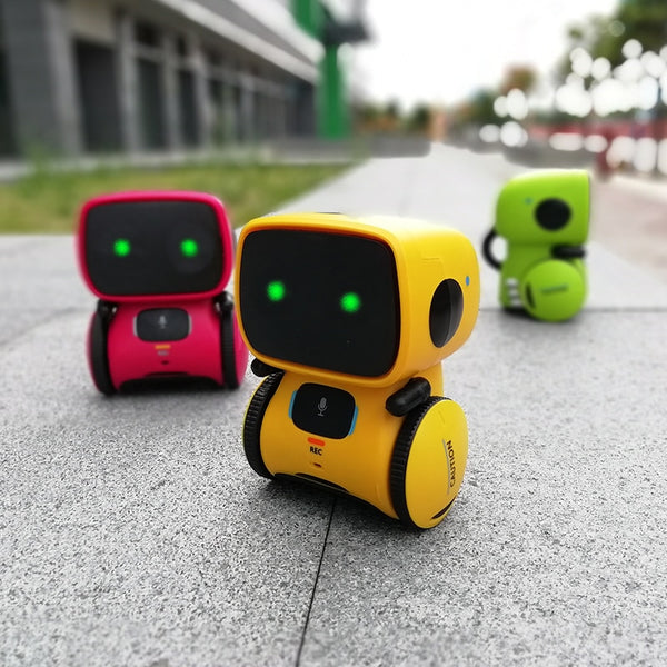 Smart Robot  with Voice Command