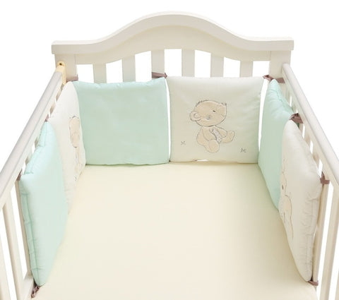 Baby bed protector