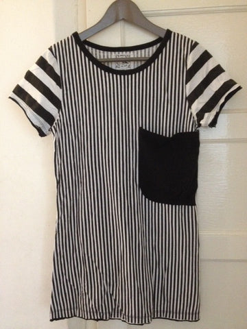 Stripe top with stylish large pocket.