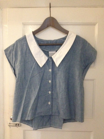 Denim short sleeve tops with white collar