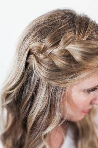 Five Minute Hairstyles Every Career Girl Must Know - GRACESHIP