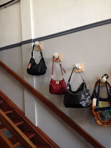 GRACESHIP High End E-Commerce Business Loves This Artsy Way To Store Handbags