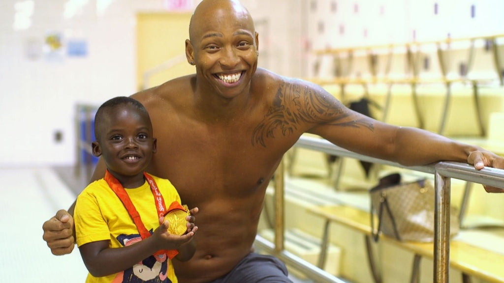 Olympic Swimmer Cullen Jones Inspires Children Of Color To Swim On The National 'Make A Splash Tour'