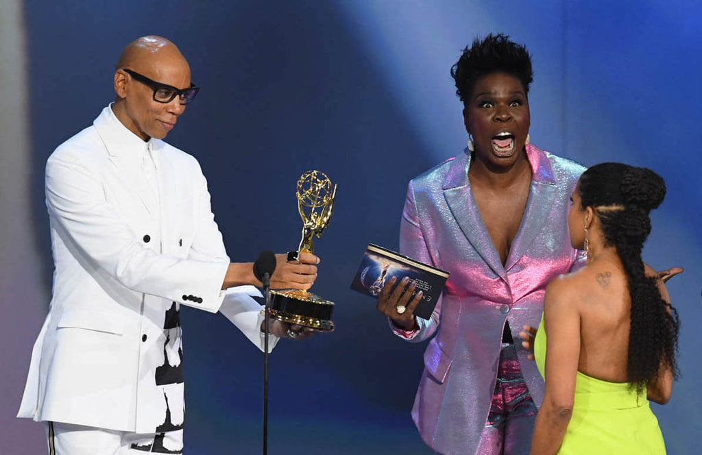Leslie Jones' Reaction To Regina King's Emmy Win Was A Beautiful When One Of Us Wins, We All Win Moment