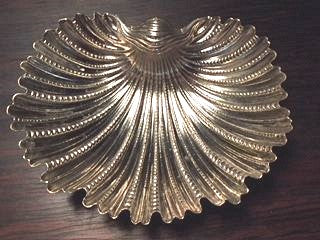 Buccellati Sterling estate Shell dish on 3 shell feet