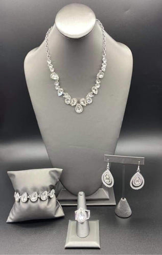 Paparazzi Jewelry & Accessories - Fiercely 5th Avenue - July 2020. Bling By Titia Boutique