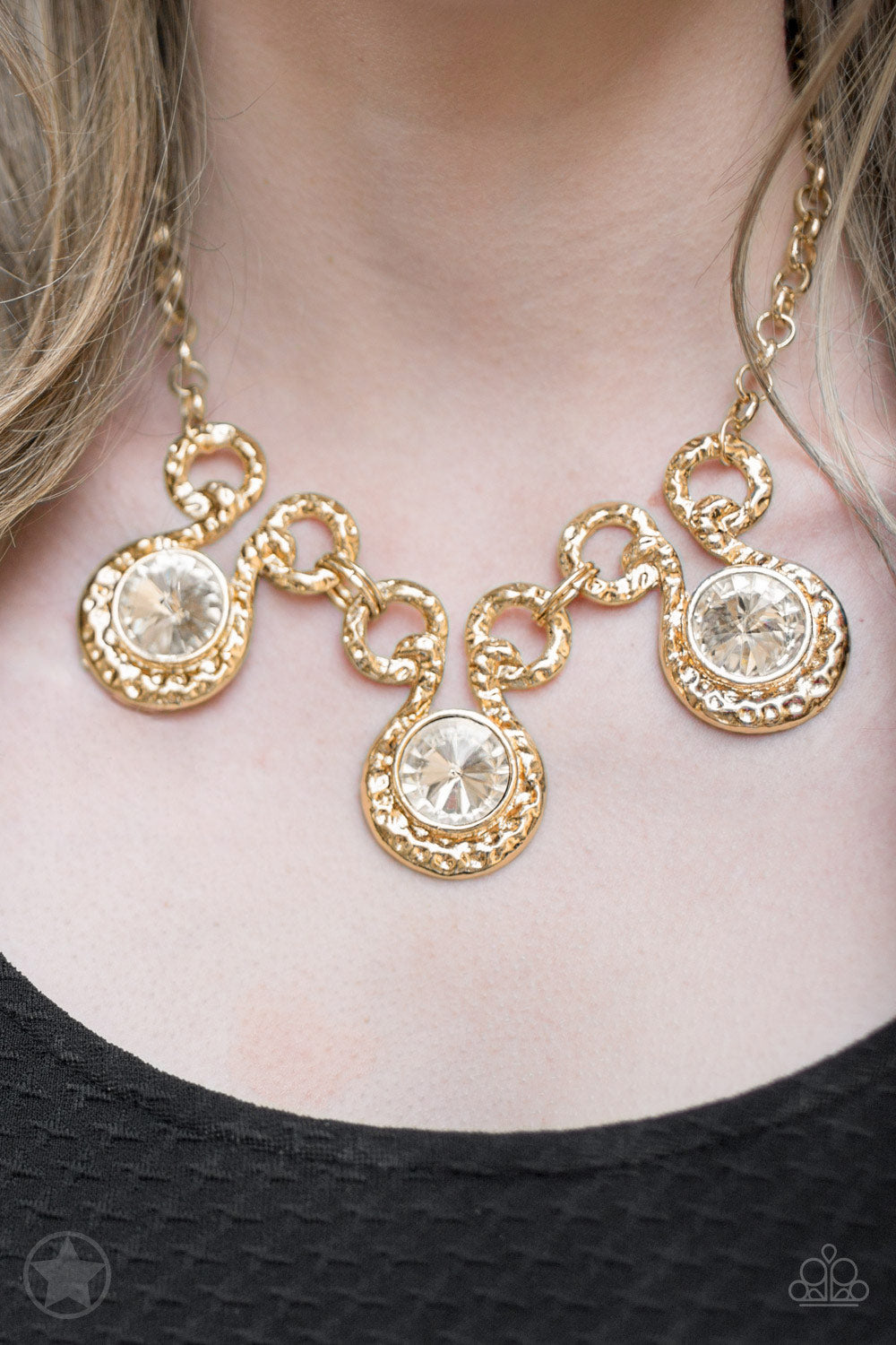 Paparazzi Accessories - Hypnotized - Gold Necklace