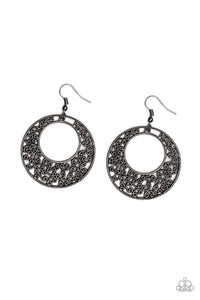 Paparazzi Jewelry & Accessories - Wistfully Winchester - Black Earrings. Bling By Titia Boutique