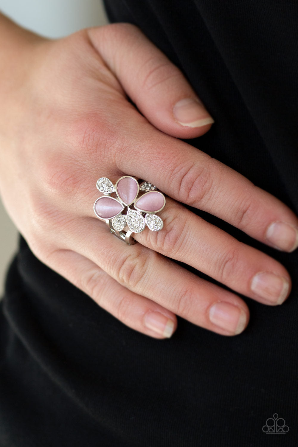 Paparazzi Jewelry & Accessories - Diamond Daisies - Pink Ring. Bling By Titia Boutique