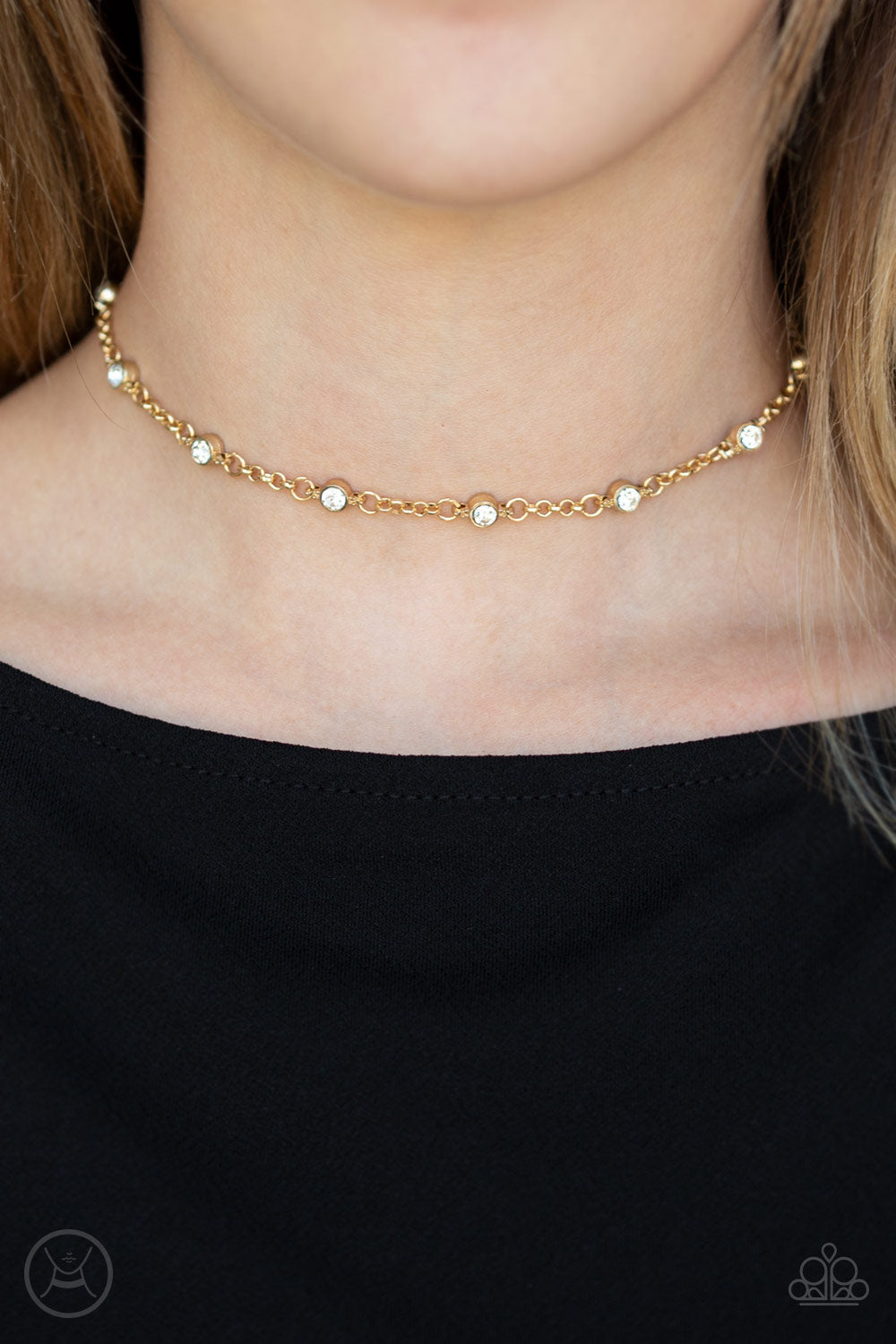Paparazzi Accessories - Stunningly Stunning - Gold Choker