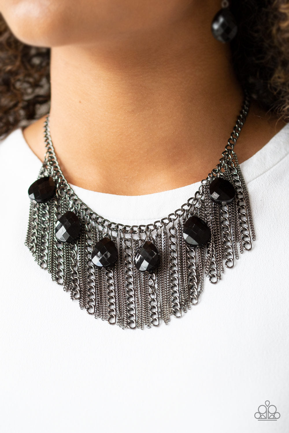 Paparazzi Jewelry & Accessories - Vixen Conviction - Black Necklace. Bling By Titia Boutique