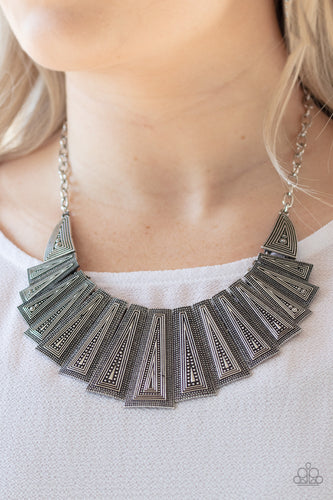 Paparazzi Jewelry & Accessories - Metro Mane - Silver Necklace. Bling By Titia Boutique