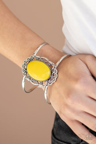 Paparazzi Jewelry & Accessories - Vibrantly Vibrant - Yellow Bracelet. Bling By Titia Boutique