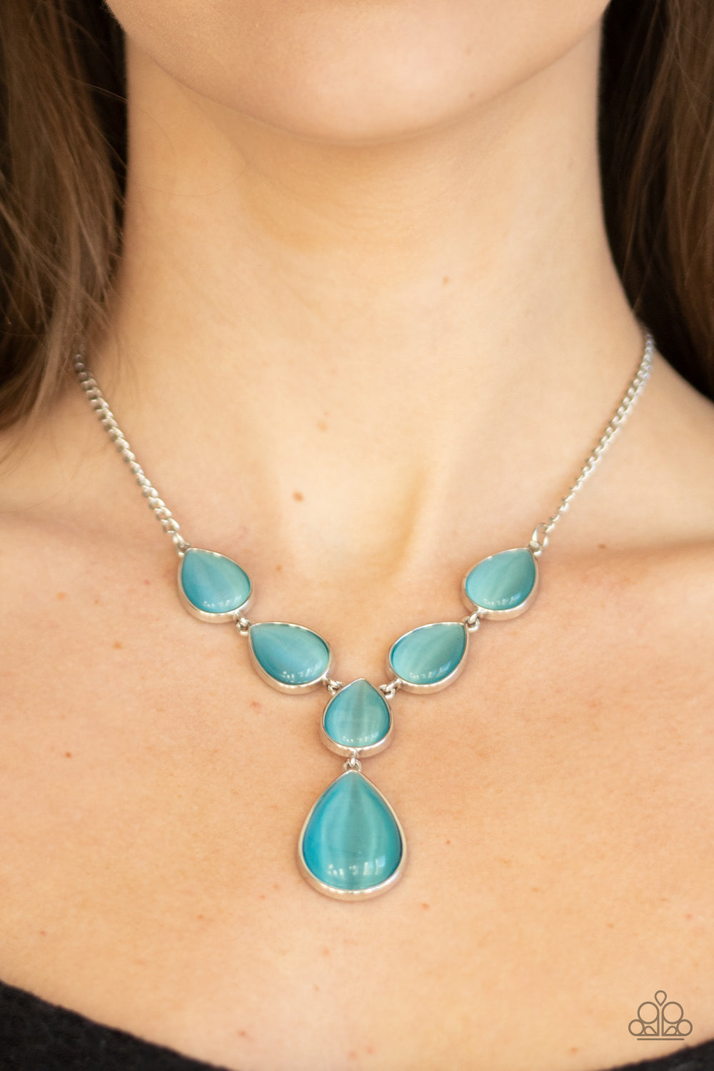 Paparazzi Jewelry & Accessories - Dewy Decadence - Blue Necklace. Bling By Titia Boutique