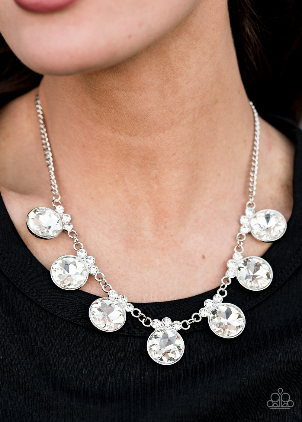Paparazzi Jewelry & Accessories - GLOW-Getter Glamour - White Necklace. Bling By Titia Boutique