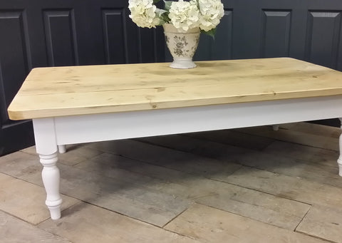 farmhouse coffee table - Country Life Furniture - Quality Interiors