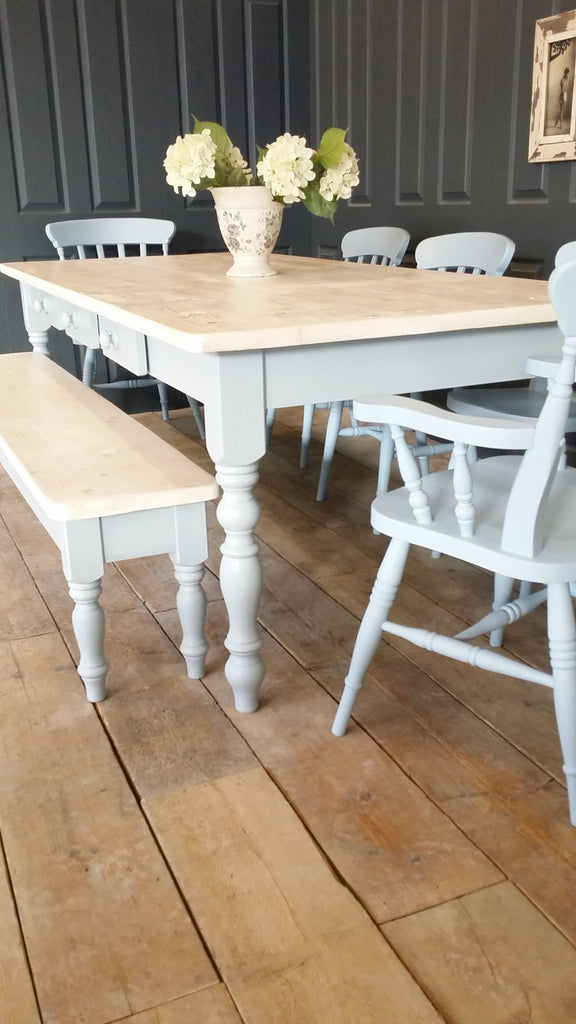 Gentil Whitewashed Farmhouse Table.