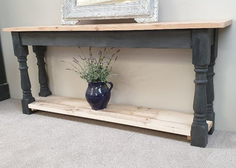 Rustic console table painted in Annie Sloan 'Graphite'